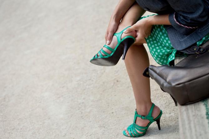 Nije lako kada hodate u malim cipelama: stopala to i te kako osete