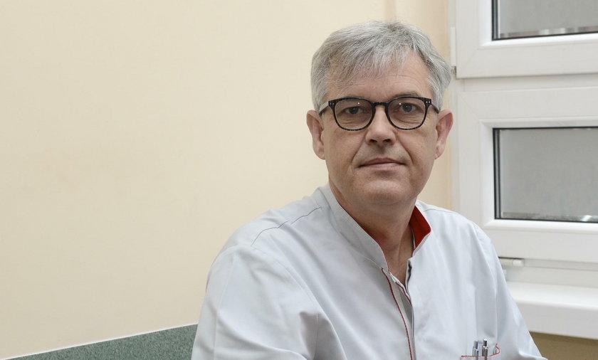 Dr Krzysztof Kołtowski, chirurg ortopeda ze Szpitala św. Jadwigi Śląskiej w Trzebnicy