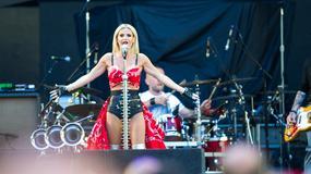 Doda wystapiła przed Guns N' Roses. Jej kreacja? Nie mogło być inaczej!