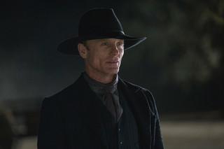 """Ed Harris z serialu HBO """"Westworld"""": Jako ludzkość staramy się wszystko spieprzyć"""