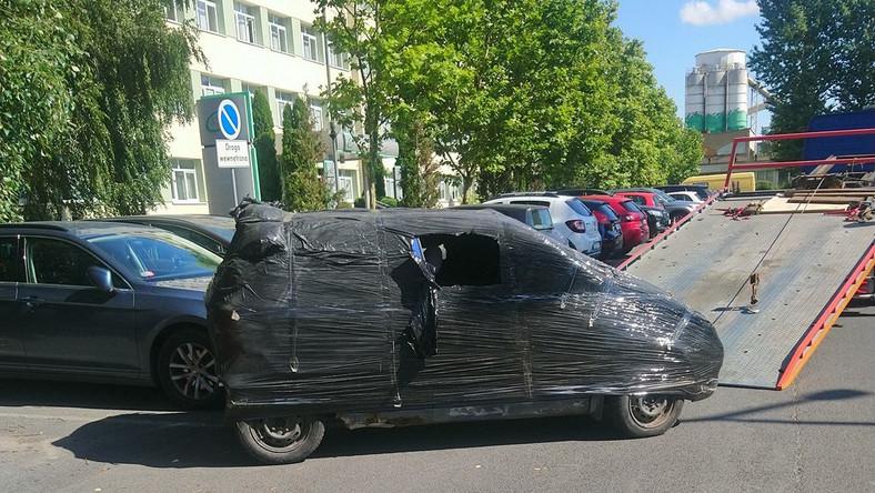 Odholowanie zafoliowanego samochodu