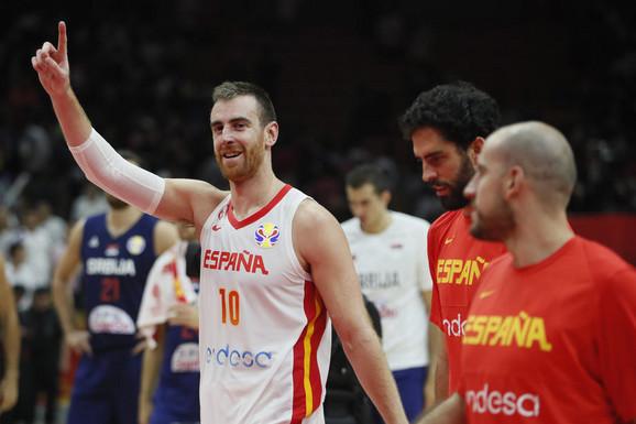 ZNALI SU DA ĆE DA SE VRATI Potres u Španiji, reprezentativac ponovo zadužio opremu Valensije