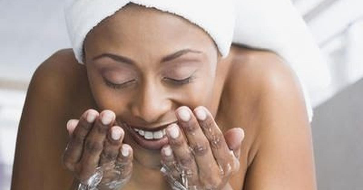7 ways to wash your face properly