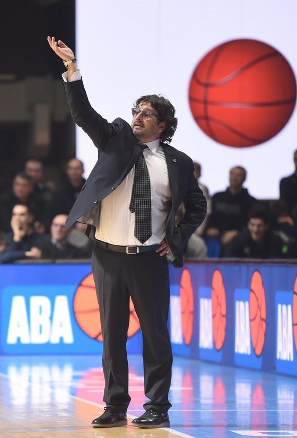 Andrea Trinkijeri, trener Partizana, na meču sa Krkom