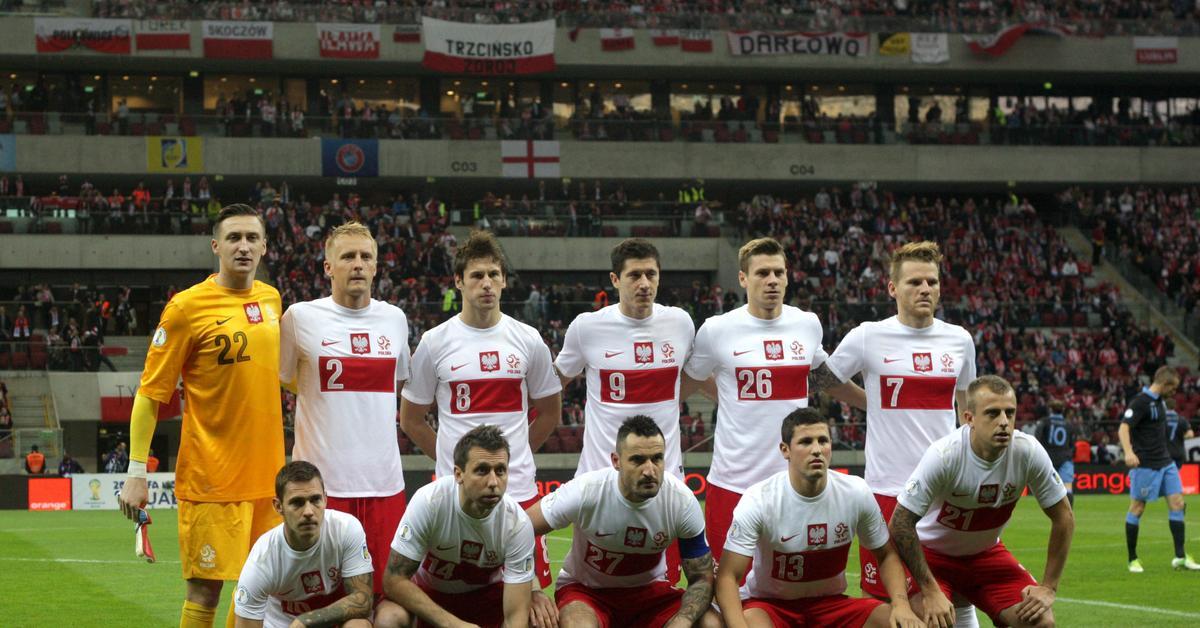 Przywrócenie orzełka na koszulki polskich piłkarzy