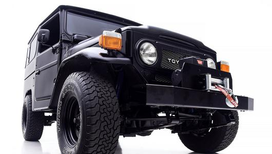 Toyota FJ40 - czarny charakter