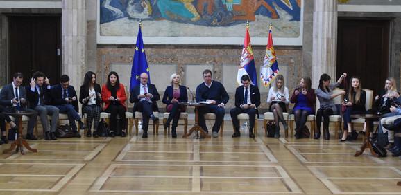 Aleksandar Vučić i podmladak  EPP