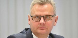 Aleksander Grad decyduje w pojedynkę: Sam złożył mandat poselski, odszedł z resortu skarbu i z PGE EJ 1