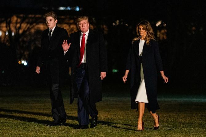 Melanija Tramp sa suprugom i sinom