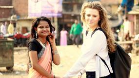 Polska stewardesa pomaga nieznajomej dziewczynie z Mumbaju