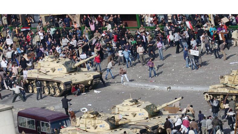 Wojsko odwraca się od protestujących