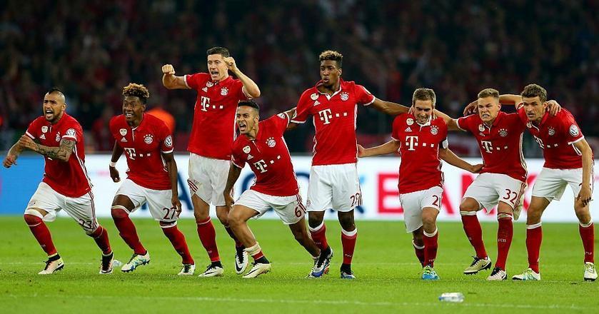 Bayern Monachium, w którym gra Robert Lewandowski, został w tym roku zwycięzcą Bundesligi po raz czwarty z rzędu
