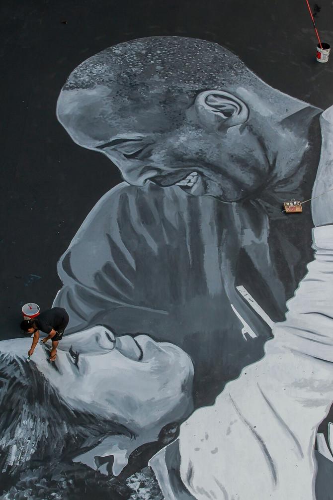 Mural u čast Kobija i Điana u Filadelfiji gde je rođen Brajant