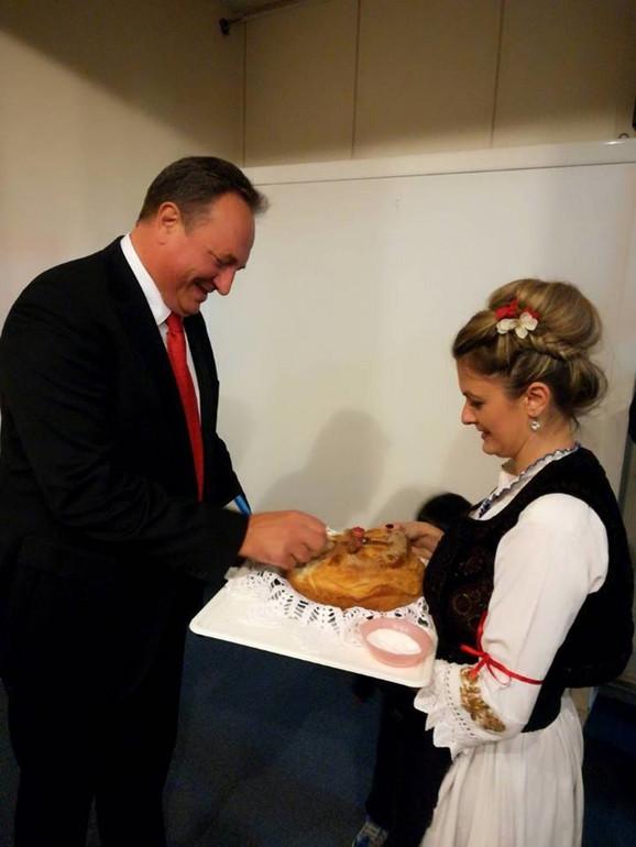 Sanja na proslavi Svetog Save u Atini sa konzulom Srbije, Milanom Vukosavljevićem