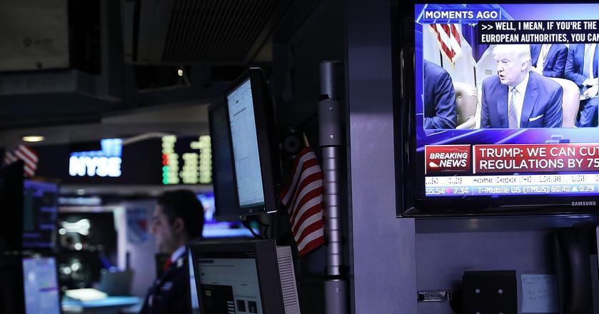Inwestorzy czekają na rynkowe skutki pierwszych decyzji prezydenta Trumpa
