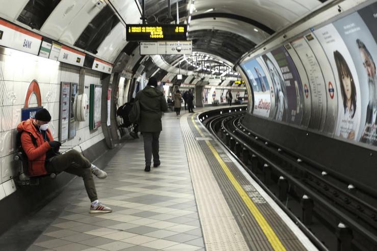 20200324 ap alberto pezzali london Di018461264 preview