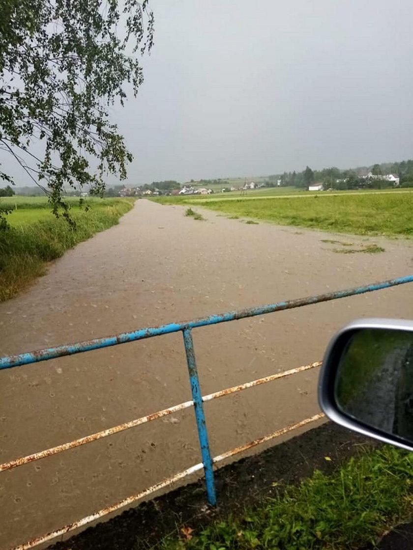 Burze i powódź w okolicach Jasła