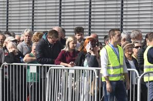 Redovi na otvaranju Lilda u Srbiji su ništa za red za tiket za AMERIČKU LUTRIJU. Kada čujete kolika je nagrada BIĆE VAM JASNO (VIDEO)