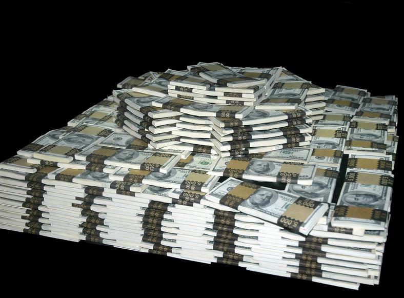 Wiesz, jak wygląda bilion $ w gotówce?