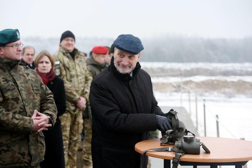 """Nowe """"zabawki"""" Macierewicza. To dostanie Obrona Terytorialna?"""