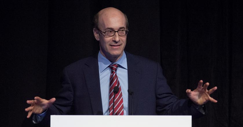 Kenneth Rogoff to były główny ekonomista MFW oraz profesor ekonomii na Harvardzie