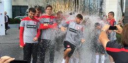 Piłkarze piłkarskiej reprezentacji Polski drużynowo wzięli udział w Ice Bucket Challenge!