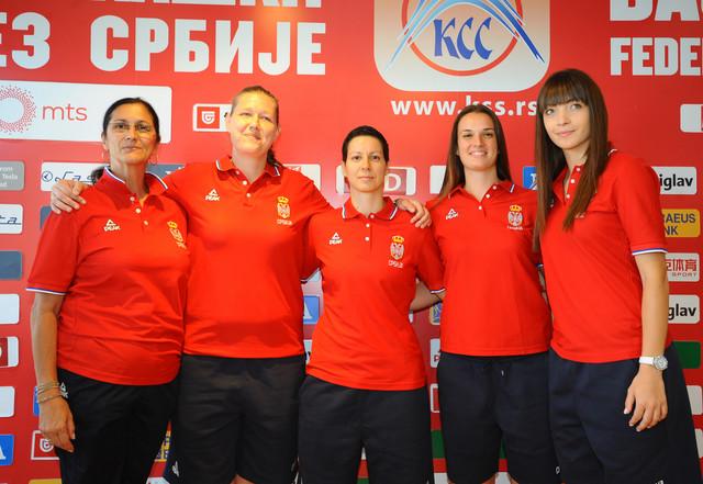 Olivera Krivokapić Dragićević (levo) i članice naše reprezentacija u basketu 3 na 3