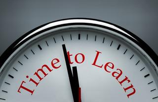 Wakacje, czyli czas na naukę języka w firmach