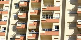 34-latek wypadł z 4. piętra. Trudno uwierzyć w to, co stało się później