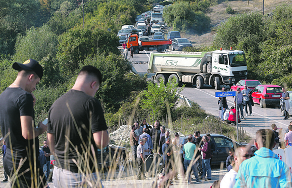 Totalna blokada kamionima i traktorima