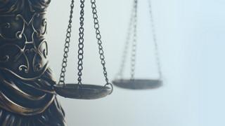 Spór o sądownictwo. Sprawiedliwość na dwa głosy