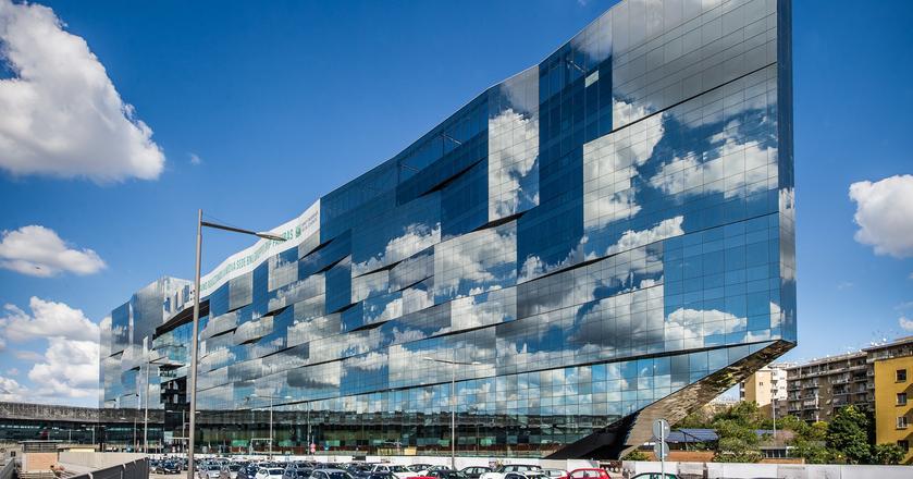 Śpiew przyszłości, czyli budynek BNL-BNP Paribas w Rzymie, który jest przykładem dążenia do realizacji założeń niewidzialnej architektury