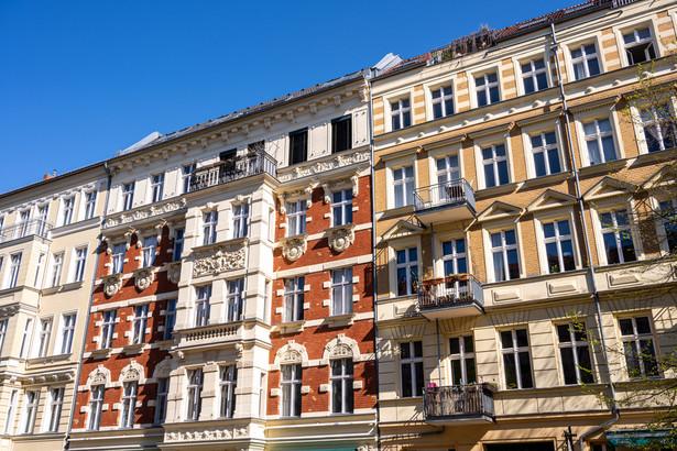 Rząd obiecuje tanie mieszkania dla uboższych. Czy to realne?