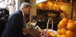 Kerry wpadł do Polski na... ciacho!