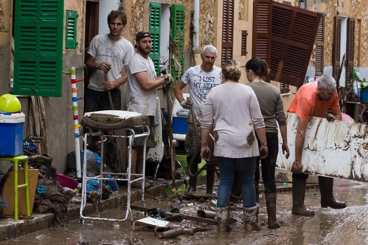 RASTE BROJ ZRTAVA Najmanje 12 poginulih u poplavama na ostrvu Majorka
