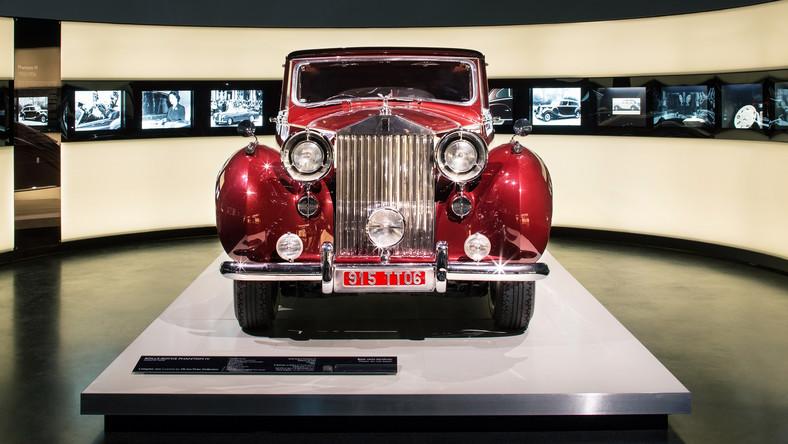 Okazją do tego była okrągła, 10. rocznica włączenia marki Rolls-Royce do tego niemieckiego koncernu, który jest jej właścicielem. Dodatkowo - 150 rocznica urodzin sir Henry Royce, który wraz z Charlesem Stewartem Rollsem założył w 1904 r. tę firmę, rejestrując ja wtedy w Manchesterze.