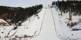 Małysz w Vikersund skoczył 218 metrów