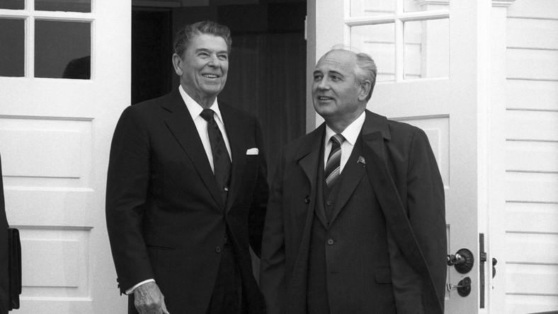 Ronald Reagan i Michaił Gorbaczow