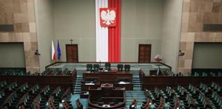 Posłowie za dalszymi pracami nad odroczeniem wejścia w życie ustawy o administracji podatkowej
