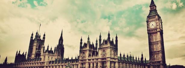 Brytyjczycy nauczyli się masowo korzystać z internetowych zakupów