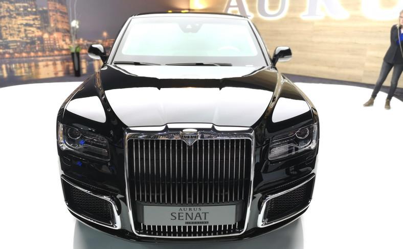 """Nazwa Aurus to to zbitek łacińskiego """"aurum"""" (złoto) i nazwy państwa """"Rosja"""". Samochód zbudowano w ramach """"narodowego"""" projektu pod kryptonimem Orszak"""