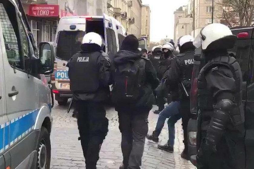 """To najbardziej znany policjant w Polsce. Kim jest """"Kulson""""?"""