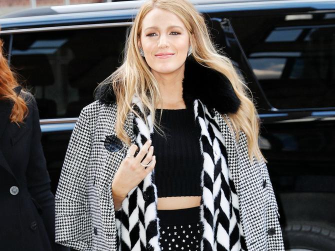 Ovo može samo ONA: Prekršila je VAŽNO modno pravilo, a i dalje izgleda besprekorno!