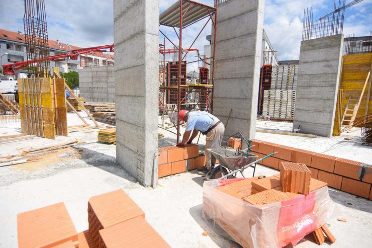 Novi Sad Bobar gradnja gradiliste radnici gradjevina foto Nenad Mihajlovic 1