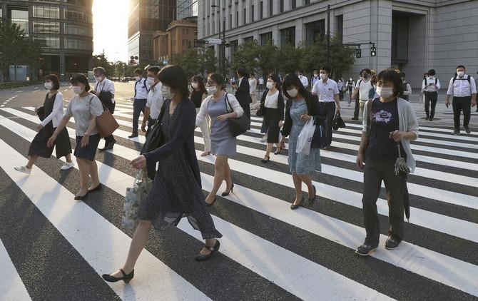 Određena socijalna distanca čak i na pešačkom prelazu u Tokiju