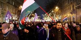 Protesty w Budapeszcie trwają, doszło do przepychanek z policją