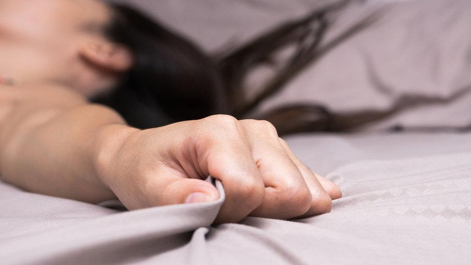 Czy kobiecy orgazm to wielka zagadka? Seksuolożka oddziela fakty od mitów