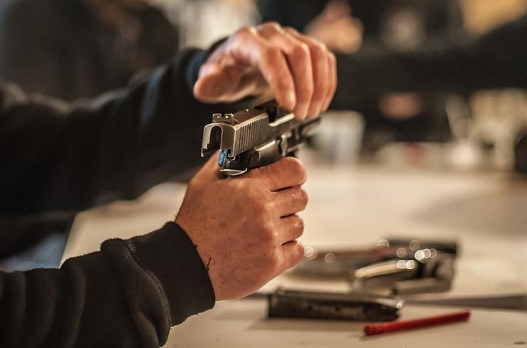 Čišćenje pištolja, oružje, pokrivalica