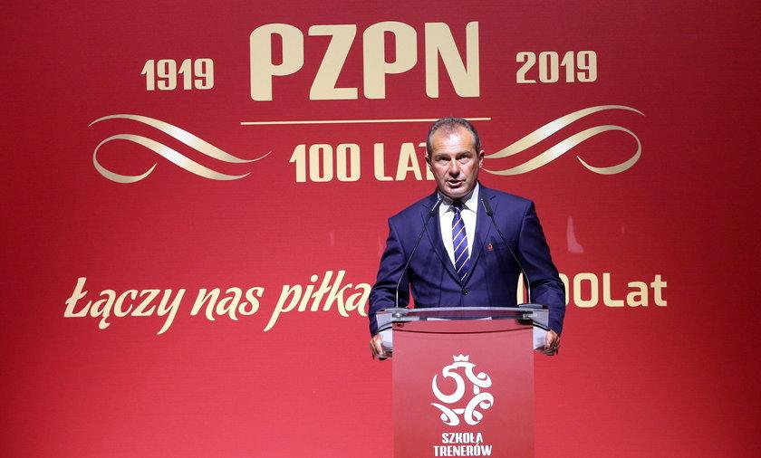 Marek Koźmiński wydawał się być pewniakiem do zwycięstwa w wyborach na nowego prezesa PZPN