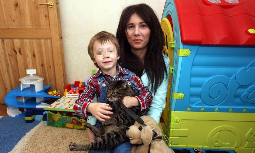 Wieslawa Ddargiewicz z synem Kuba